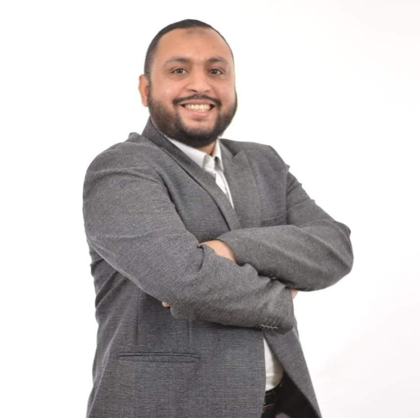 د/ أسامة عبد العظيم